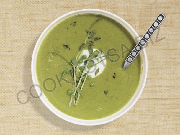 Суп из зеленого горошка с тархуном