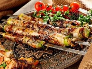 Люля-кебаб с салом и кресс-салатом