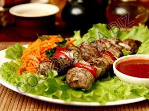 Шашлык из баранины с витаминным салатом