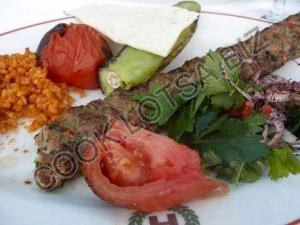 Кюфта-кебаб из баранины и помидор