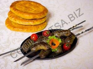 Колбаски из баранины и говядины на углях