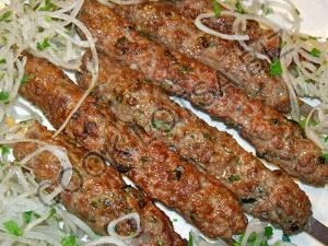 Люля-кебаб из рубленой баранины на гриле