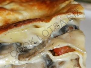 Лазанья с копченой курицей и грибами