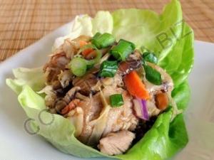 Свинина в листьях салата