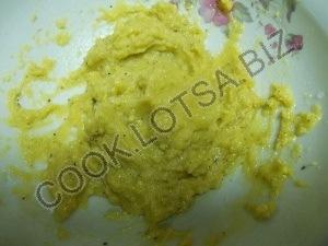 Свежий салат в чесночно-сметанном соусе