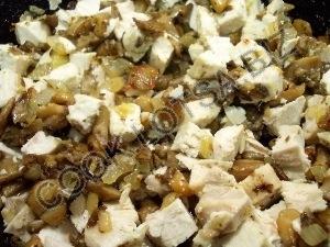 Киш с курицей и грибами